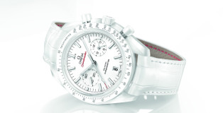 OMEGA  2015 Speedmaster Moonwatch White Side of the Moon  Cena 292 200 Kč C_311